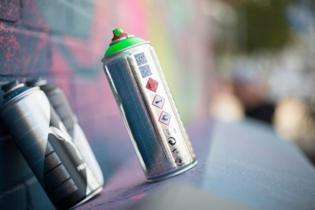 Close up of spray paint can-graffiti-Street-Art---Brighton---Time-for-Heroes-Photography-Ashley Laurence